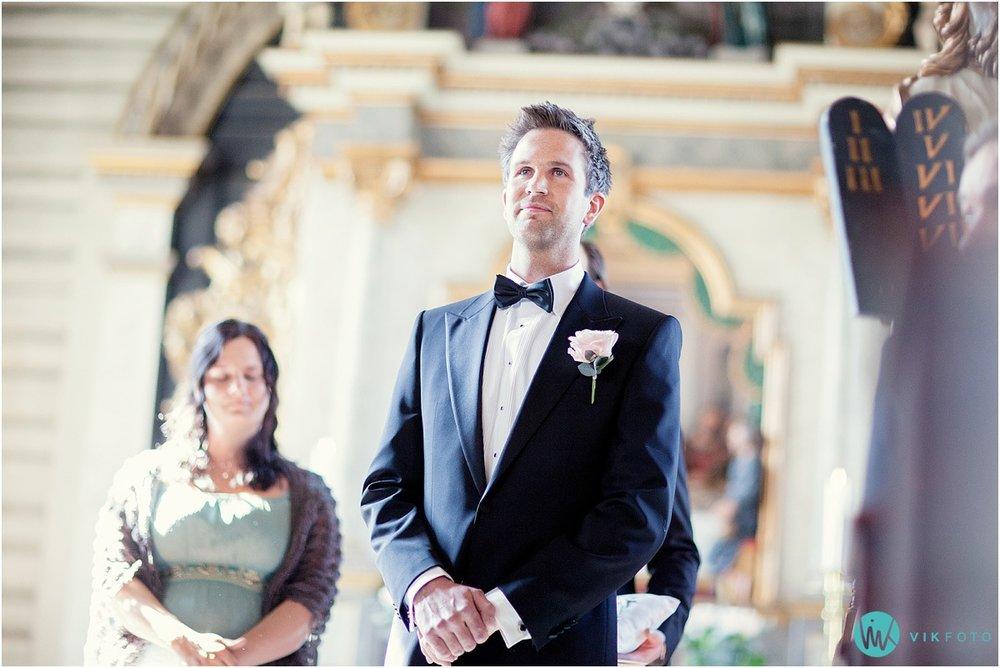 37-bryllupsfotograf-drobak-kirke-akershus.jpg