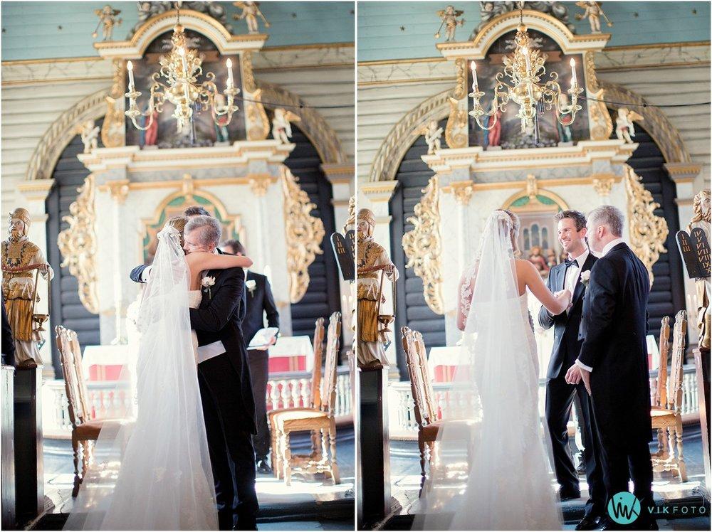 39-bryllupsfotograf-drobak-kirke-akershus.jpg