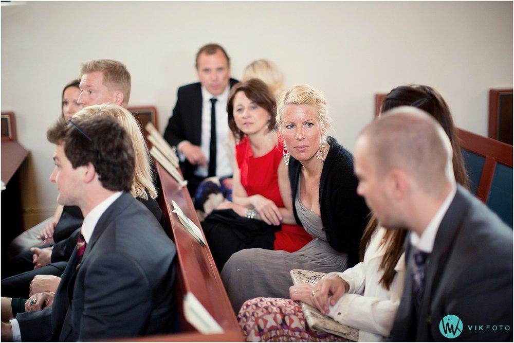 20-bryllupsfotograf-oslo-sorkedalen-kirke.jpg
