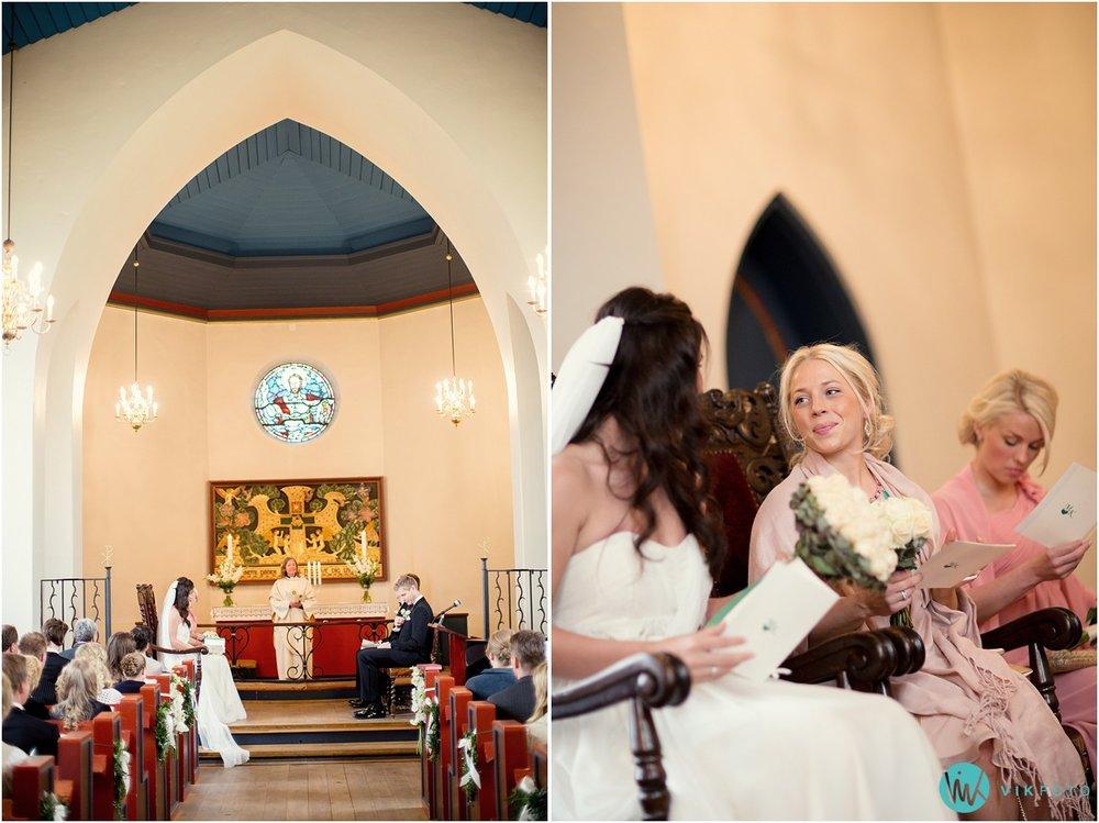 26-bryllupsfotograf-oslo-sorkedalen-kirke.jpg