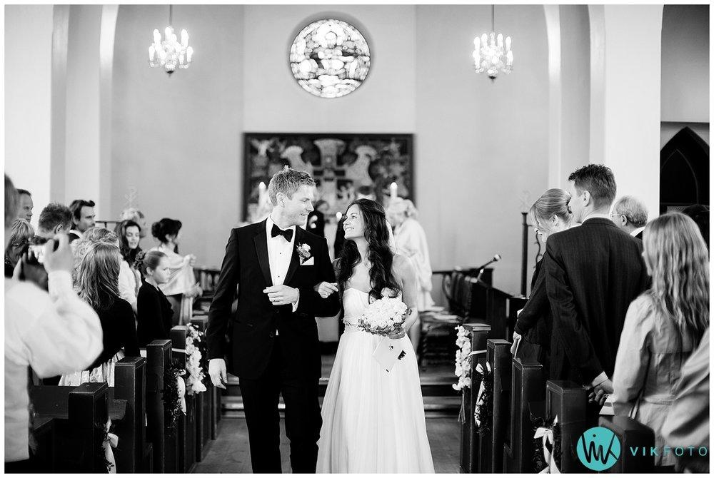 36-bryllupsfotograf-oslo-sorkedalen-kirke.jpg