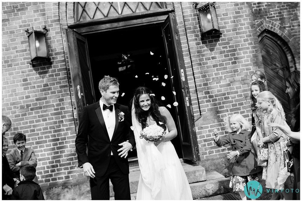 41-bryllupsfotograf-oslo-sorkedalen-kirke.jpg