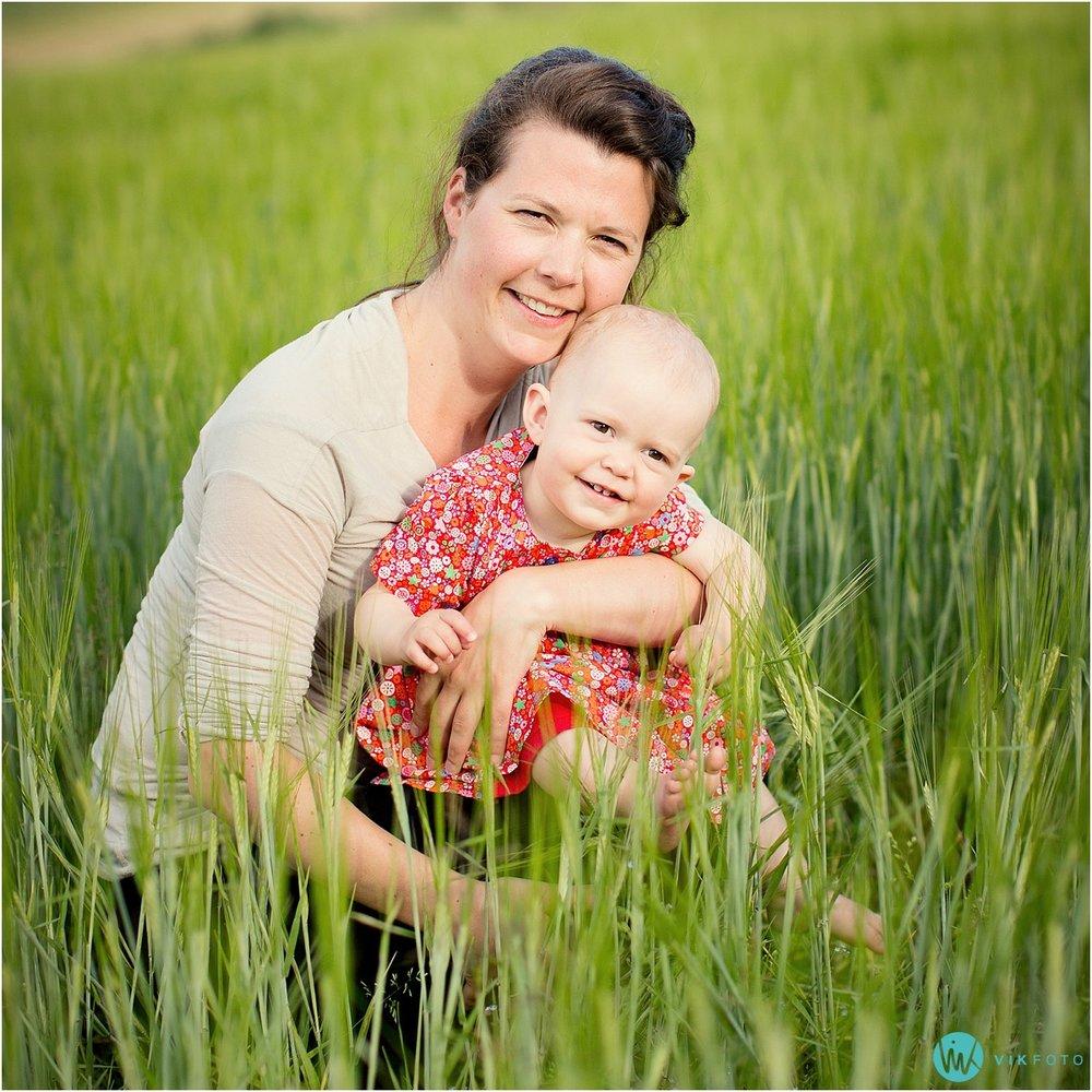 portrettbilde-mor-barn-fotograf-sarpsborg-fredrikstad.jpg