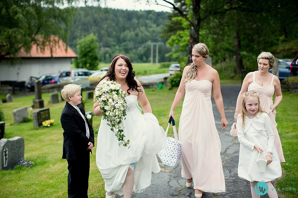 05-nykirke-bryllupsfotograf-heldagsfotografering.jpg