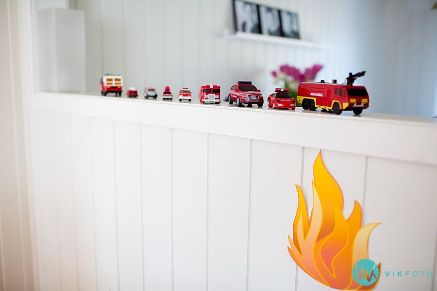 02-fotograf-sarpsborg-barnebursdag-brannmann-bursdag-brannstasjon.jpg