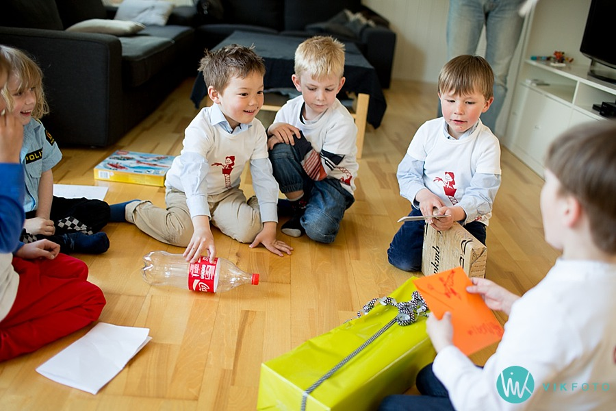 30-fotograf-sarpsborg-barnebursdag-brannmann-bursdag-brannstasjon.jpg