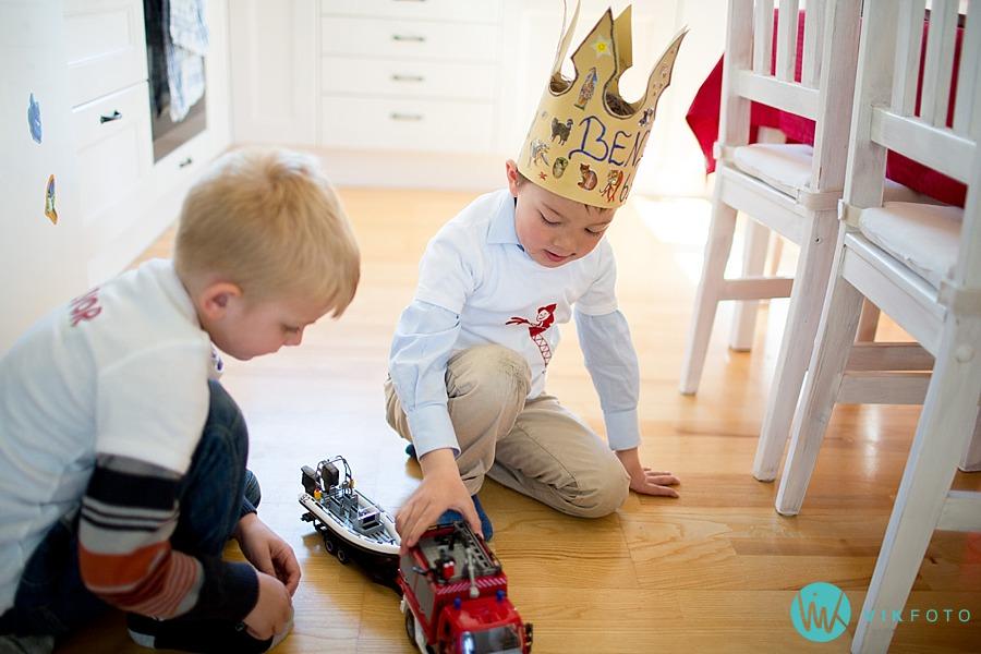36-fotograf-sarpsborg-barnebursdag-brannmann-bursdag-brannstasjon.jpg