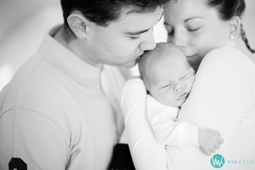 babybilde-fotograf-sarpsborg-familiebilde-familiefoto.jpg
