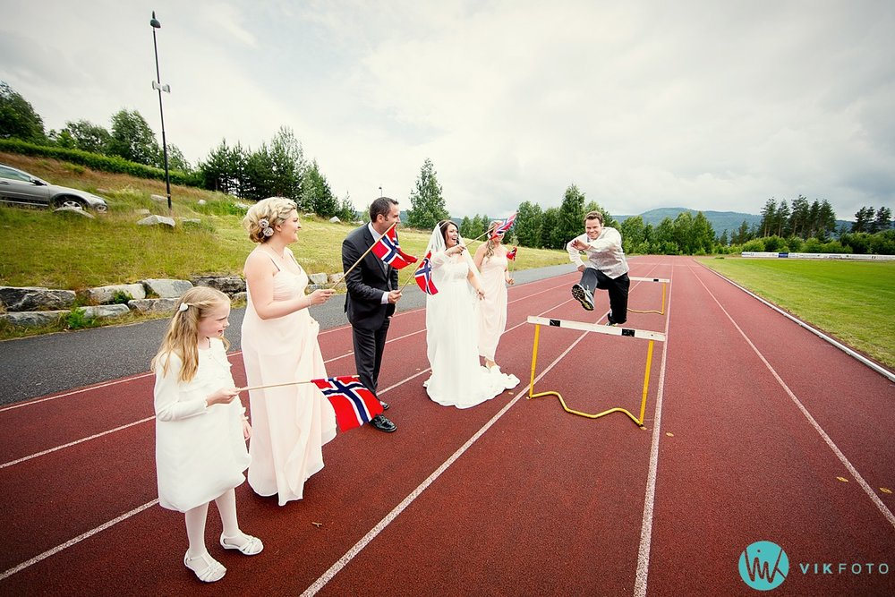 09-kreativt-bryllupsbilde-brudepar-friidrett.jpg