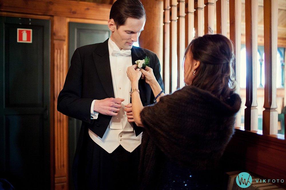 12-bryllupsfotograf-oslo-vielse-holmenkollen-kapell