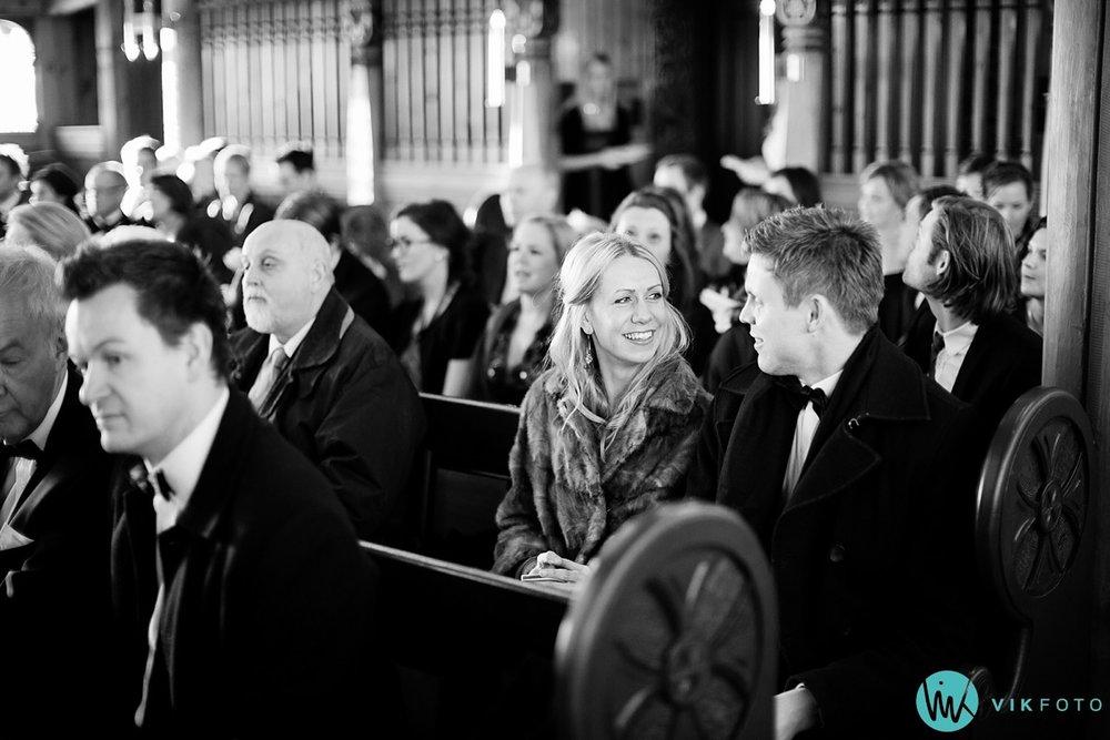 13-bryllupsfotograf-oslo-vielse-holmenkollen-kapell