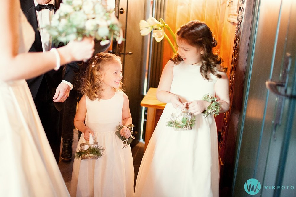 17-bryllupsfotograf-oslo-vielse-holmenkollen-kapell