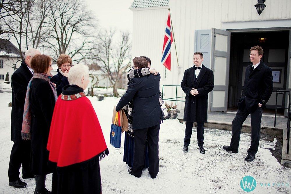 17-bryllupsfotograf-sandefjord-sandar-kirke-vielse