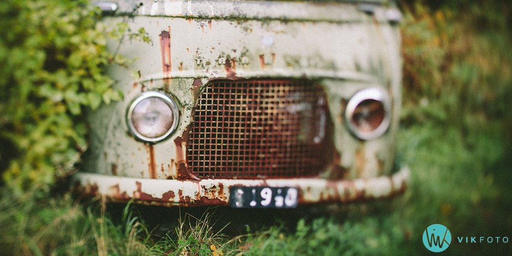 17-vikfoto-bilkirkegård-bilvrak-vrakpant-rusten-bil