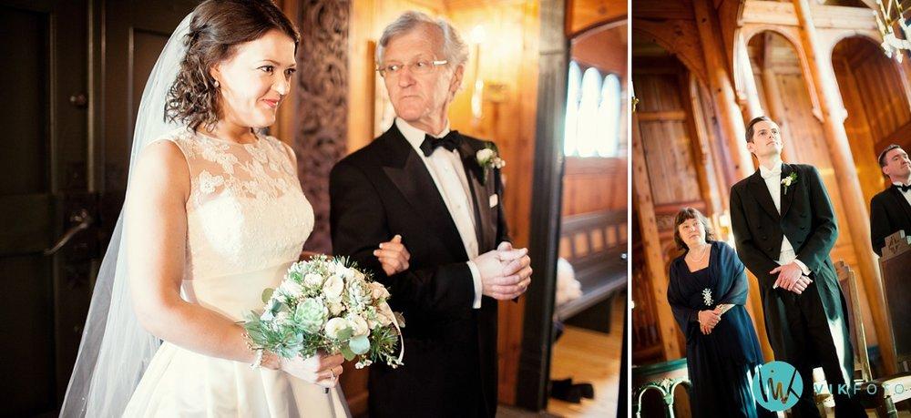 18-bryllupsfotograf-oslo-vielse-holmenkollen-kapell
