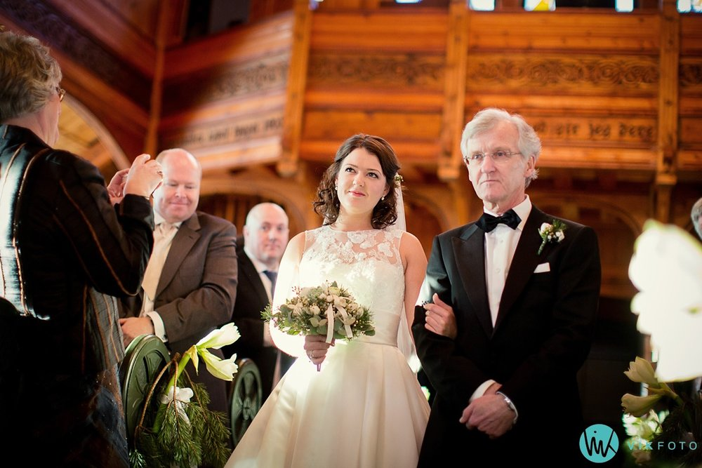21-bryllupsfotograf-oslo-vielse-holmenkollen-kapell