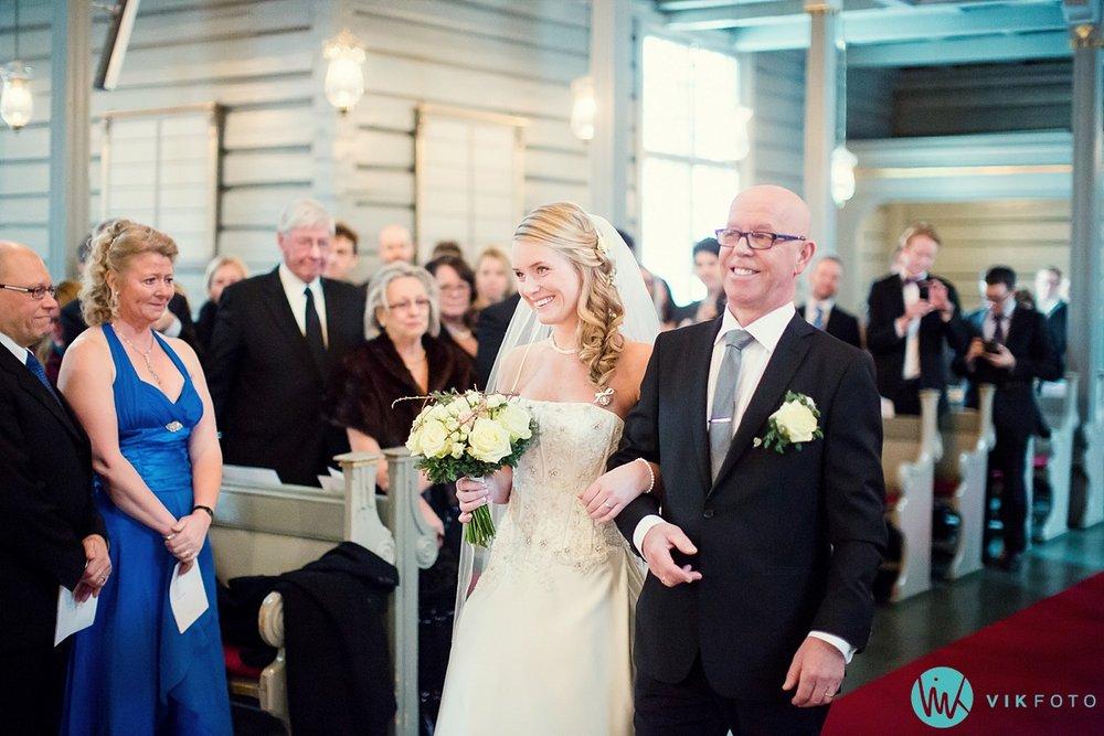 21-bryllupsfotograf-sandefjord-sandar-kirke-vielse