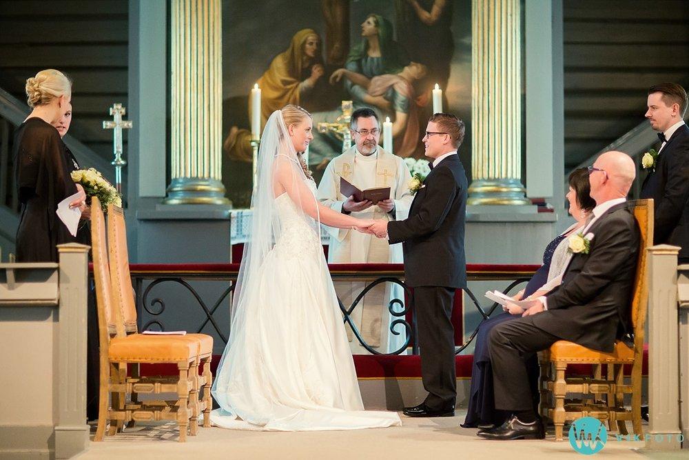 25-fotograf-sandefjord-bryllup-vielse-sandar-kirke