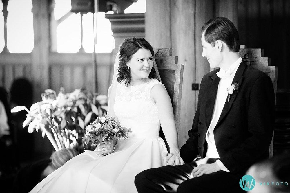 27-bryllupsfotograf-oslo-vielse-holmenkollen-kapell