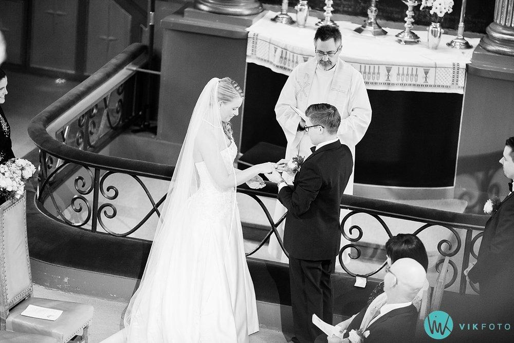 27-fotograf-sandefjord-bryllup-vielse-sandar-kirke