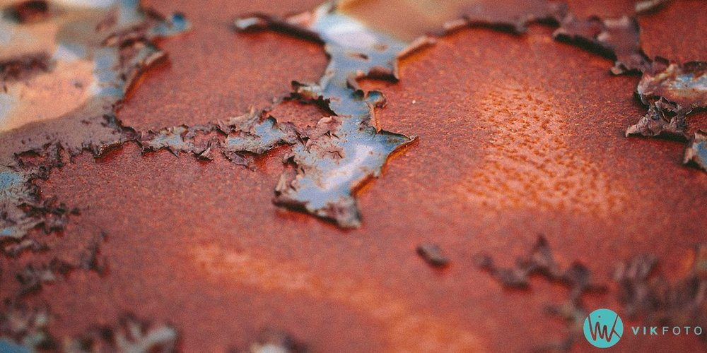 27-vikfoto-bilkirkegård-bilvrak-vrakpant-rusten-bil