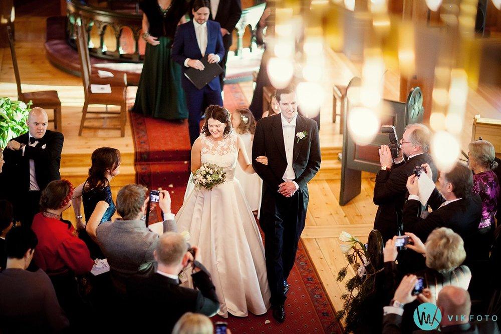 29-bryllupsfotograf-oslo-vielse-holmenkollen-kapell