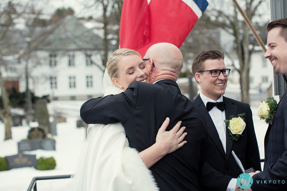 32-fotograf-sandefjord-bryllup-vielse-sandar-kirke