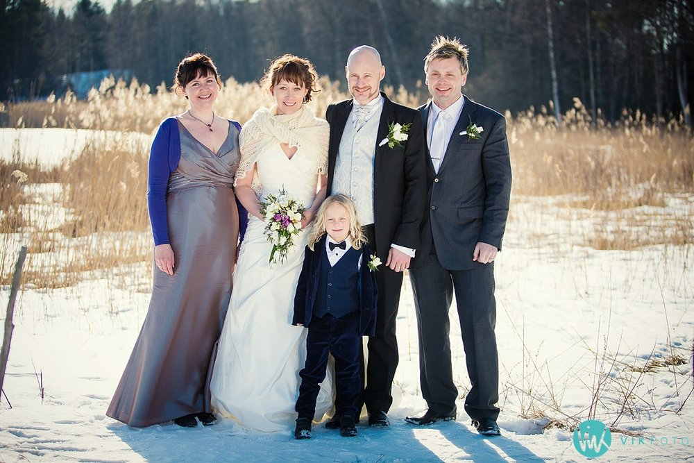 33-fotograf-bryllup-vinter-bryllupsbilde-sol-snø