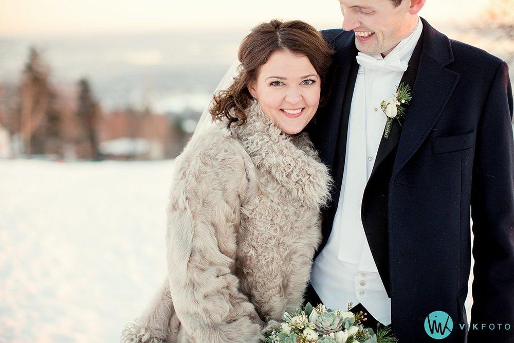 35-fotograf-bryllup-oslo-vinter-holmenkollen