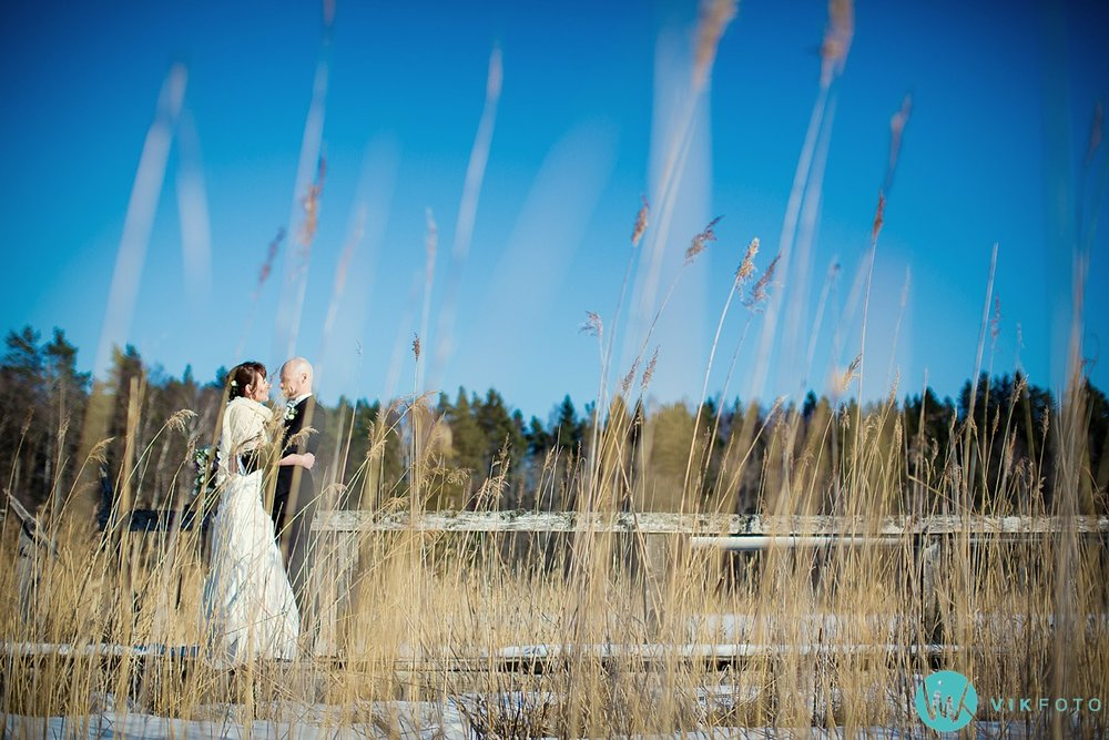 36-fotograf-bryllup-vinter-bryllupsbilde-sol-snø