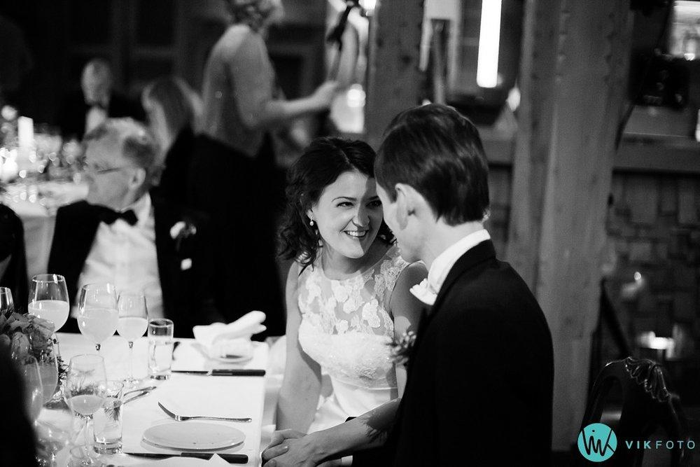 45-bryllupsfotograf-oslo-vinterbryllup-holmenkollen