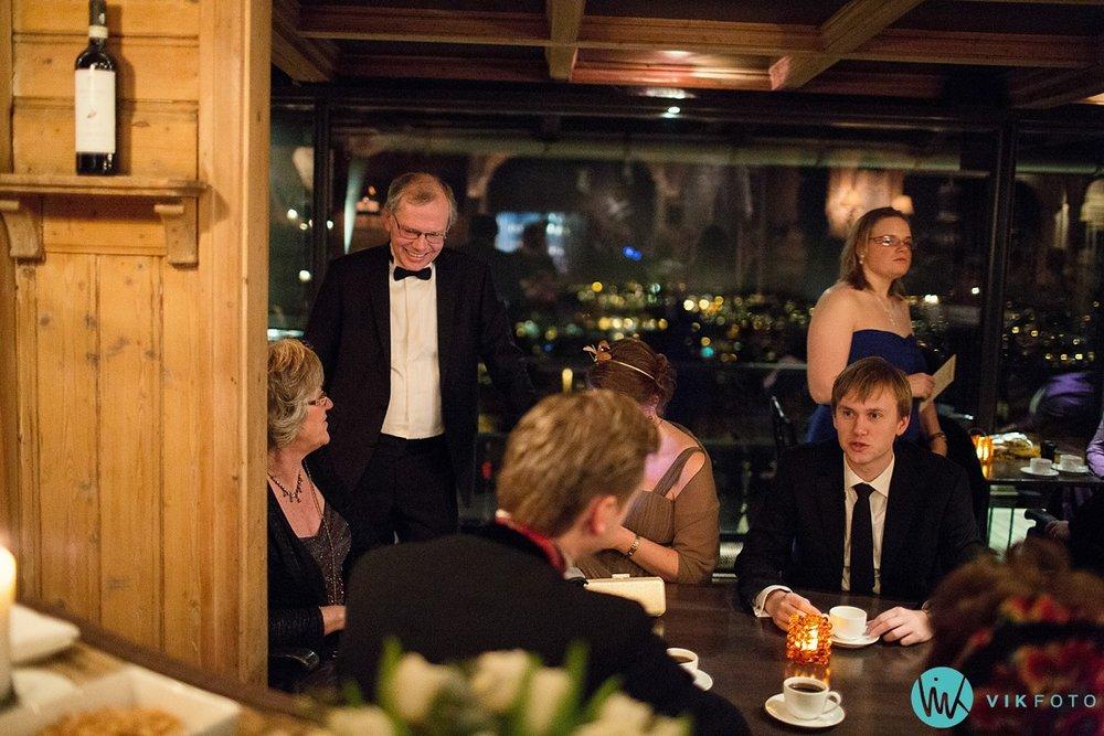 46-bryllupsfotograf-oslo-vinterbryllup-holmenkollen
