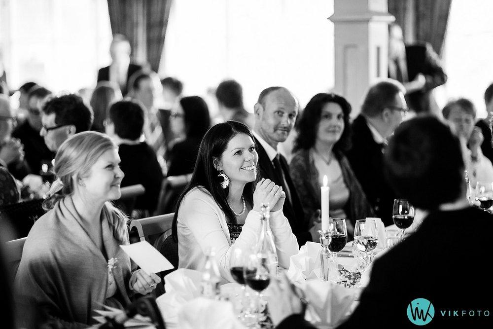 50-heldagsfotografering-bryllup-reportasje-hele-dagen