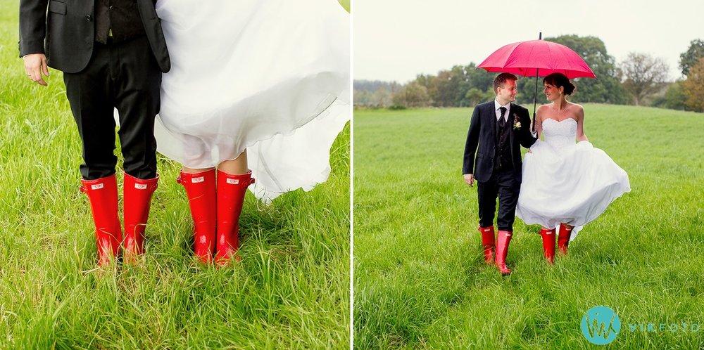 paraply-stvler-bryllup-regn-brudepar.jpg