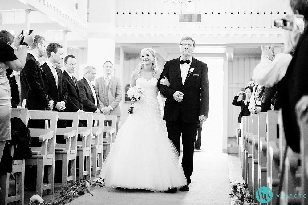 16-bryllupsfotograf-grimstad-arendal-engene-kirke