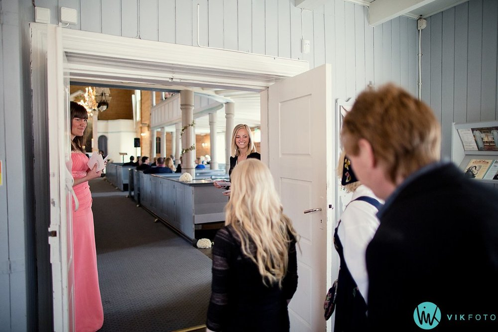 20-bryllup-vielse-kvinesdal-kirke-brudepar