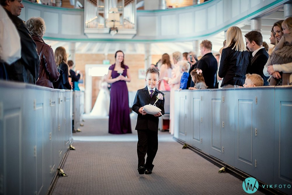23-bryllup-vielse-kvinesdal-kirke-brudepar