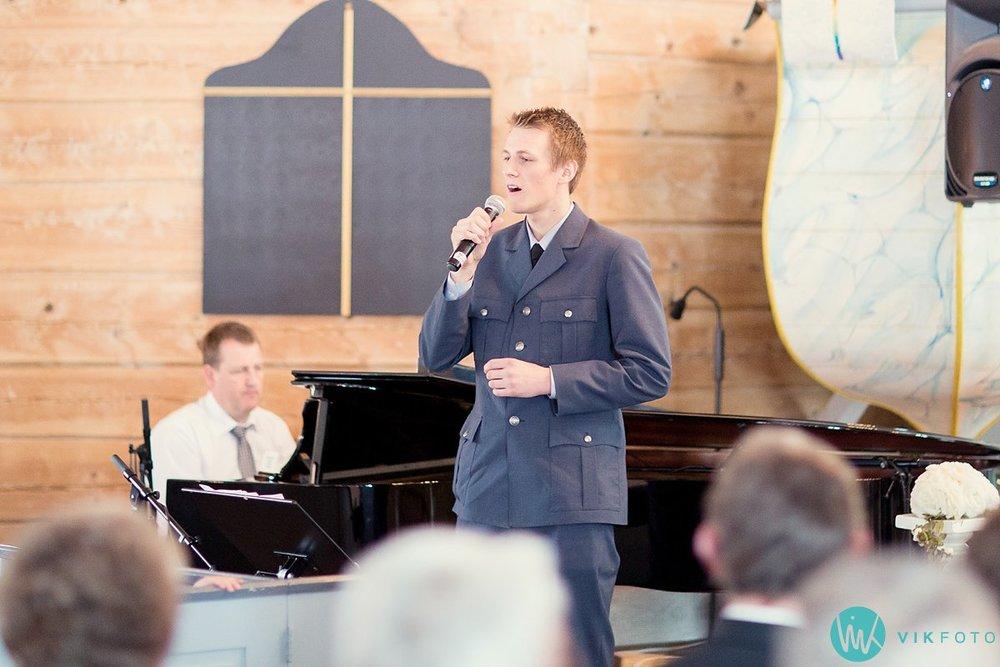 26-bryllup-vielse-kvinesdal-kirke-brudepar