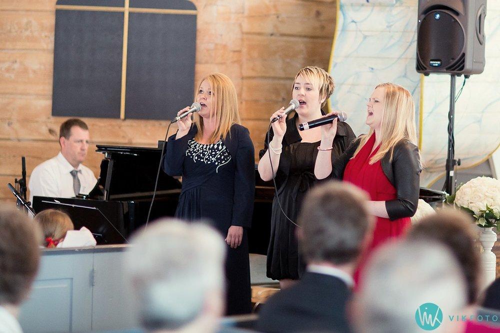29-bryllup-vielse-kvinesdal-kirke-brudepar