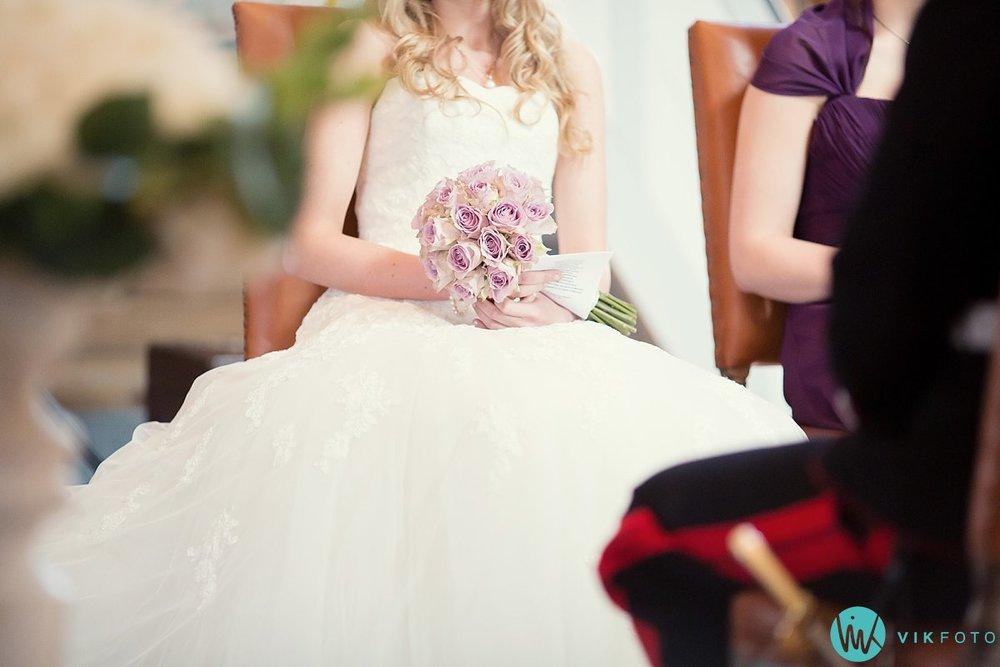 31-bryllup-kvinesdal-kirke-vielse-brudepar