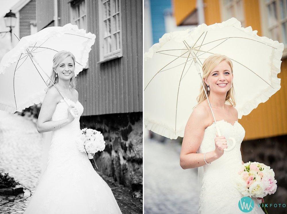 36-bryllupsbilde-brudepar-brud-regn-paraply
