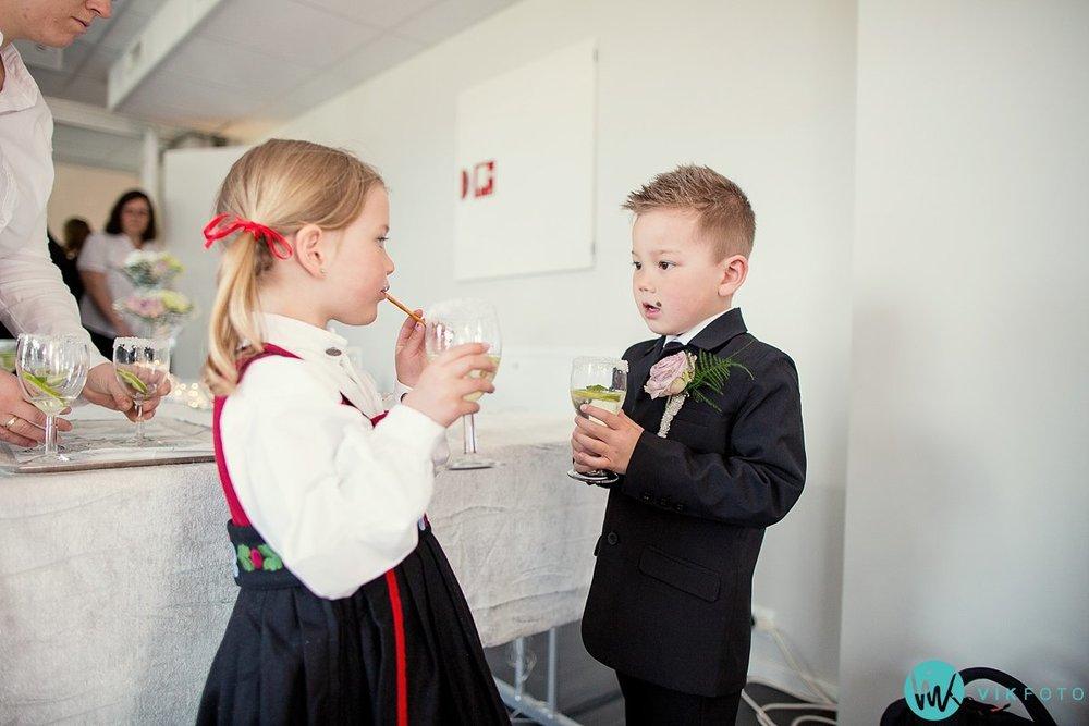 66-dokumentariske-bryllupsbilder-heldags-bryllup-fest