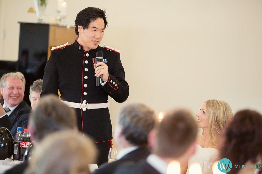 74-dokumentariske-bryllupsbilder-heldags-bryllup-fest