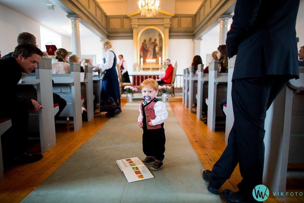 12-bryllup-fotograf-spydeberg-kirke-vielse