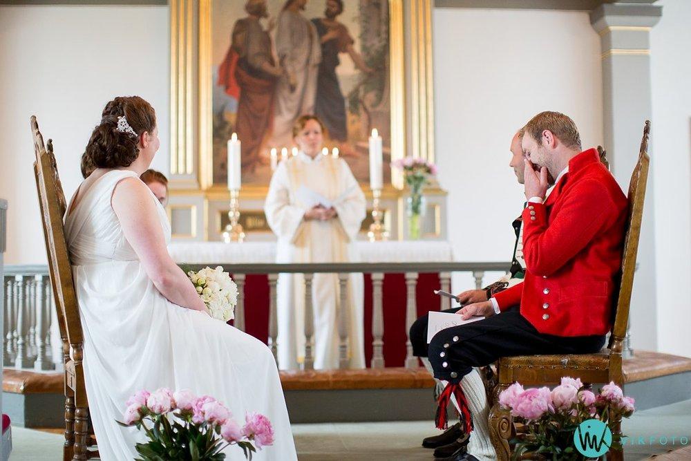 22-bryllup-fotograf-spydeberg-kirke-vielse