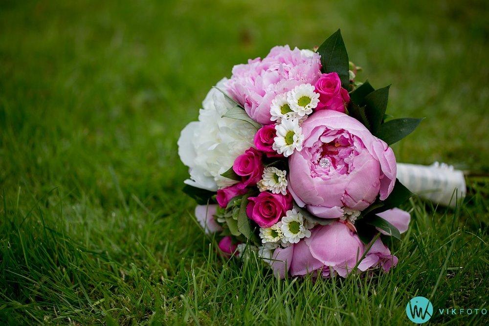 39-detaljer-bryllup-nærbilde-bukett-ringer-macro