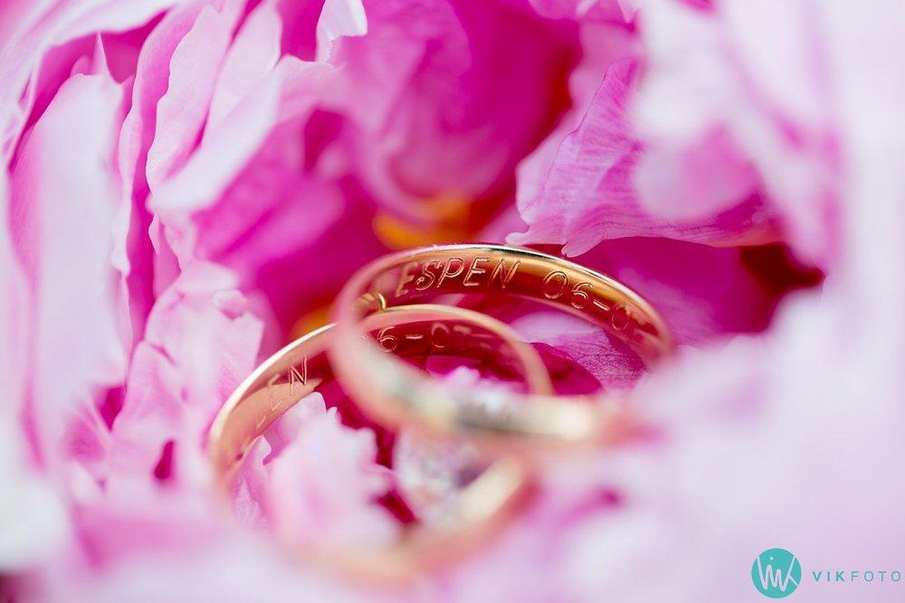 40-detaljer-bryllup-nærbilde-bukett-ringer-macro