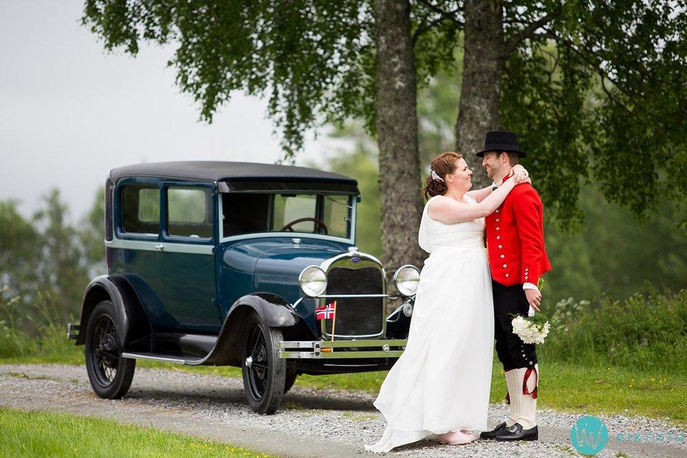 45-bryllup-fotograf-spydeberg-brudepar-bryllupsbilde-bunad