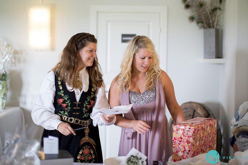 47-bryllup-fotograf-veiby-gård-skiptvet-fest