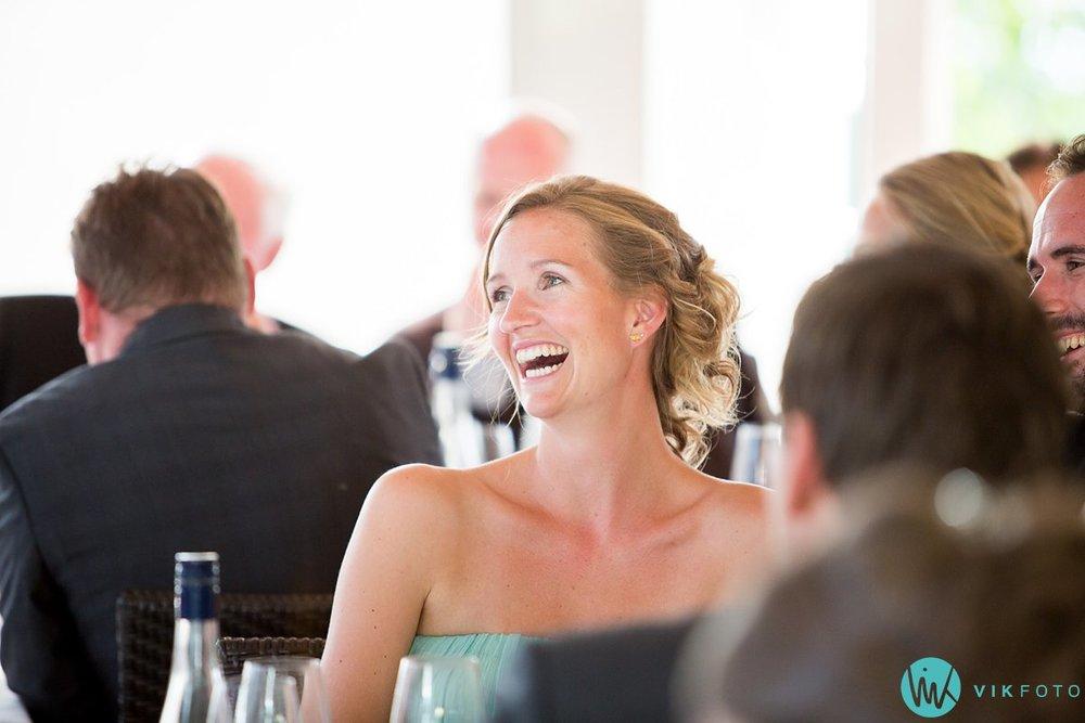 59-bryllupsmiddag-tale-gjester-bryllup-fest-refsnes